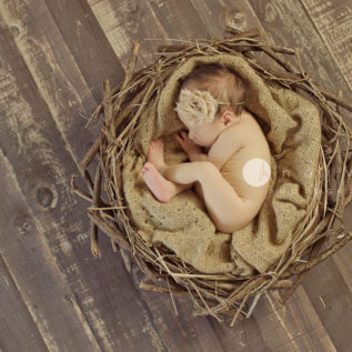 Newborn-Photography-by-Jennifer-Najvar-Austin-Texas