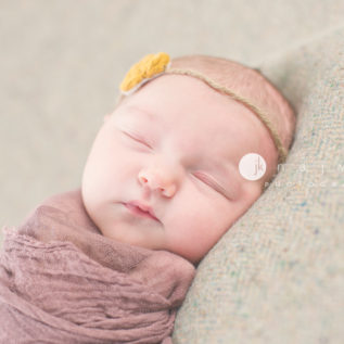newborn-photography-by-jennifer-najvar-austin-texas_012-webWM_1000-2