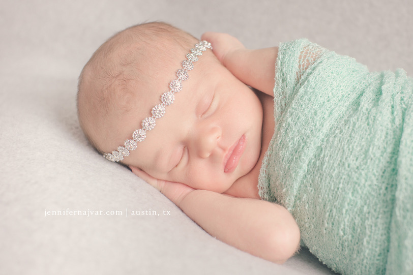 Newborn-photography-by-jennifer-najvar-austin-054-webWM-1000