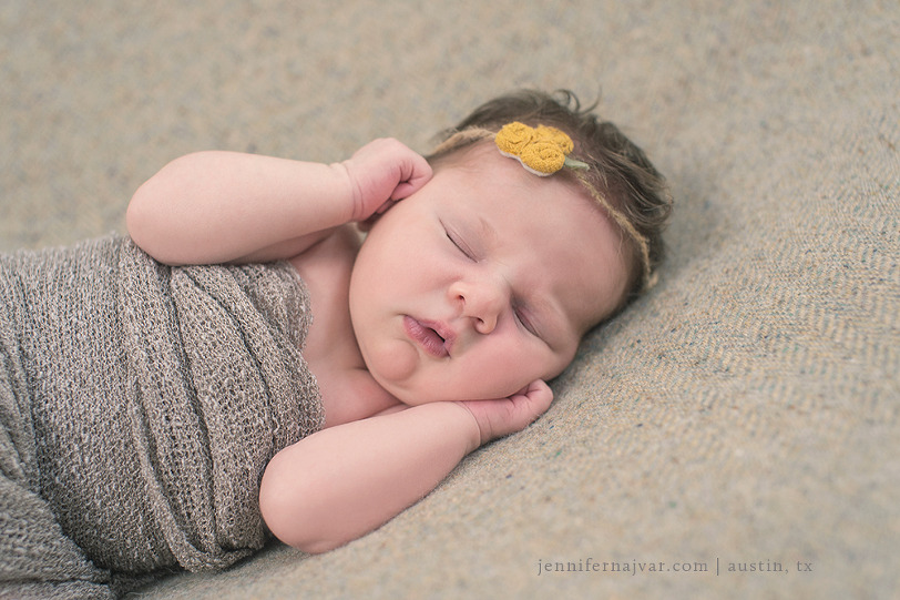 Newborn-Photography-by-Jennifer-Najvar-Austin-051-WebWM