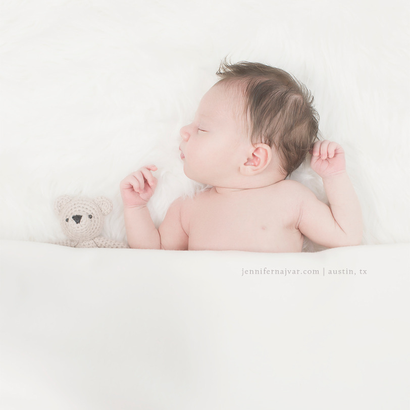 Newborn-Photoraphy-by-Jennifer-Najvar-Austin-153-WebWM