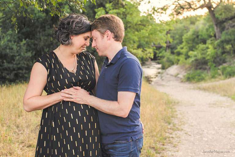 jennifer-najvar-austin-maternity-photography-115-webWM-1000